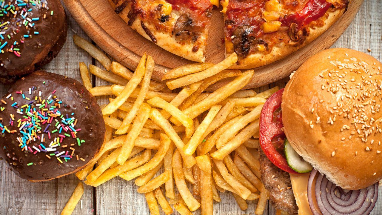 Consumare cibo spazzatura manda in tilt l'ippocampo e l'appetito, secondo uno studio