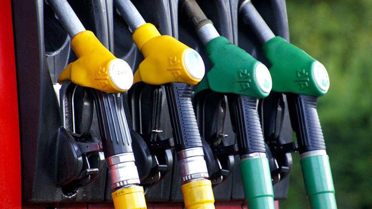 Coronavirus, ancora cali sul prezzo della benzina: la situazione in Italia