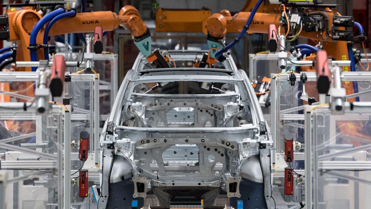 Coronavirus minaccia l'industria auto italiana: a rischio oltre 20.000 dipendenti