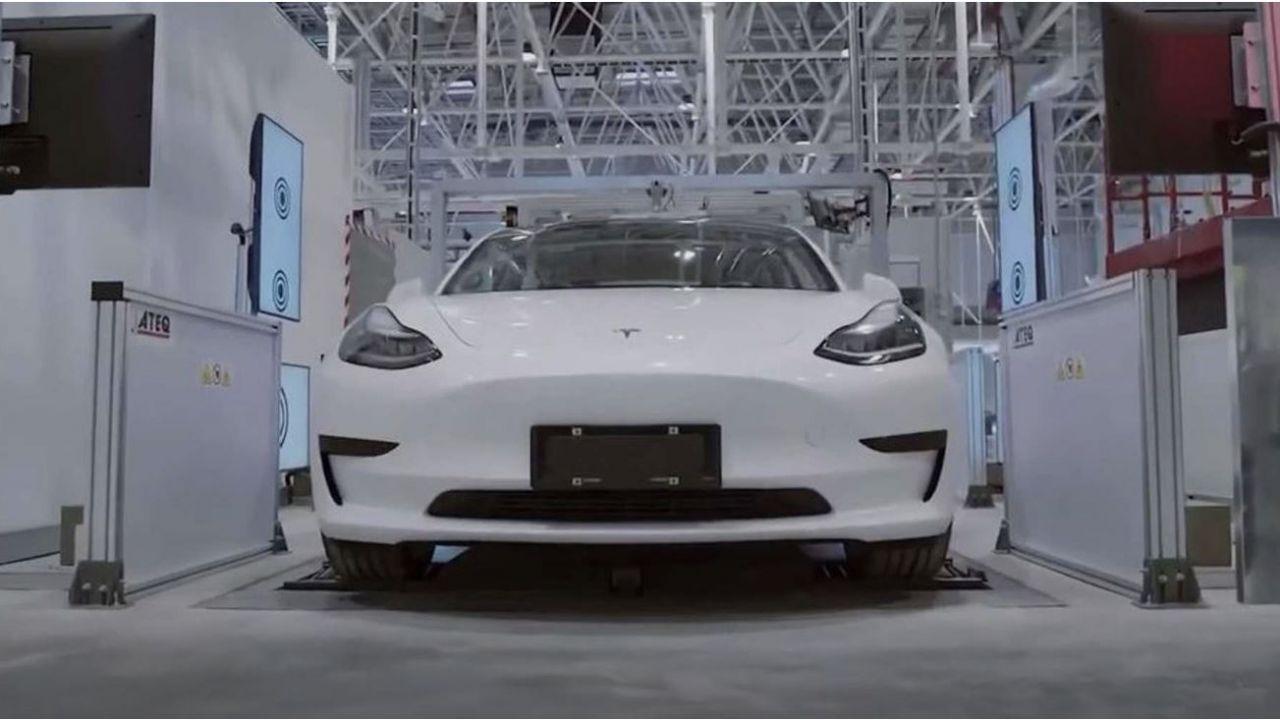 Coronavirus, ecco perché Tesla potrebbe essere la casa automobilistica meno colpita