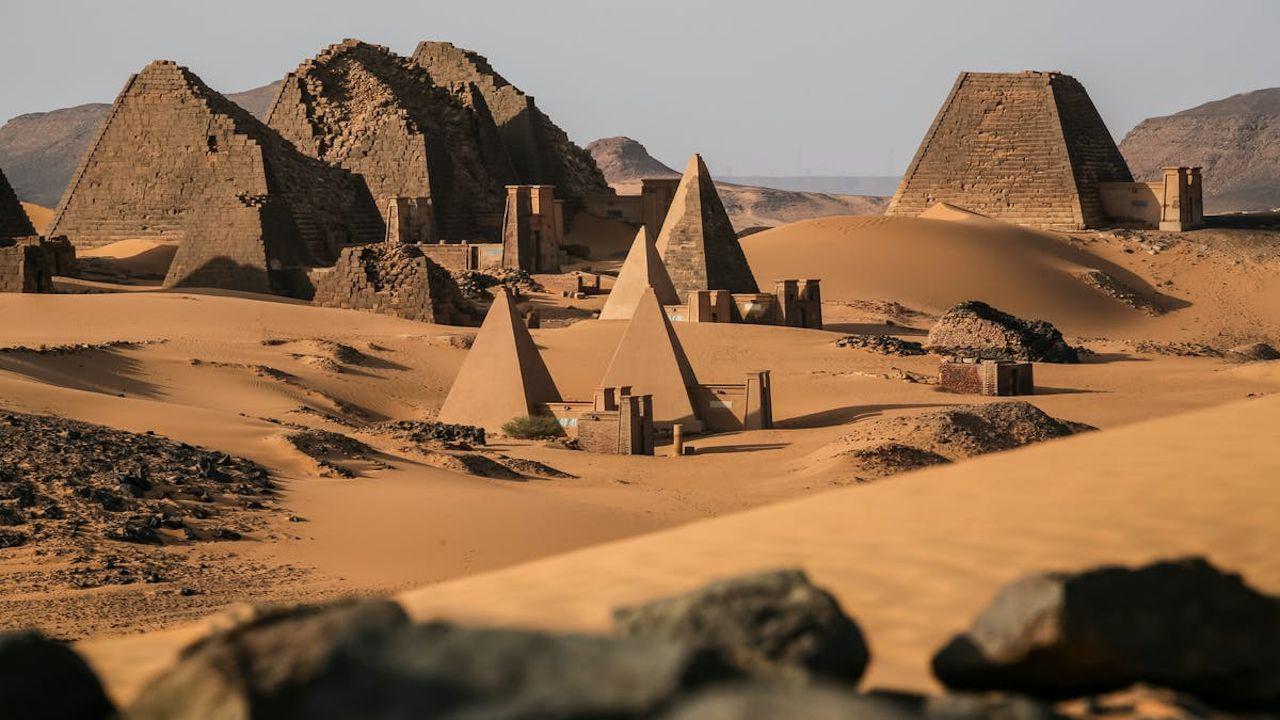 Cosa hanno in comune le galassie ed alcune tombe in Sudan? Scopriamolo