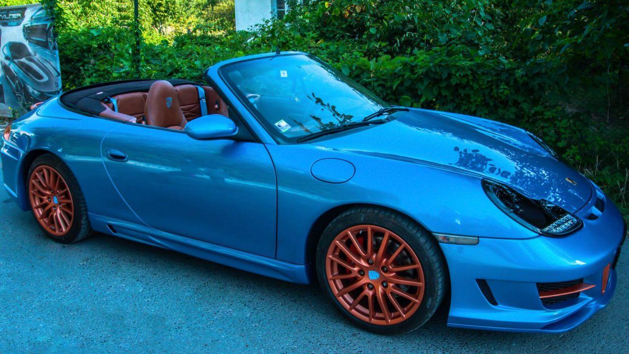 Cosa ne pensate di questa bizzarra Porsche 996 modificata?