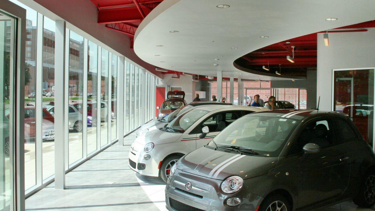 Covid-19, l'automotive non si è rialzato nemmeno a maggio: in Italia -49,6%