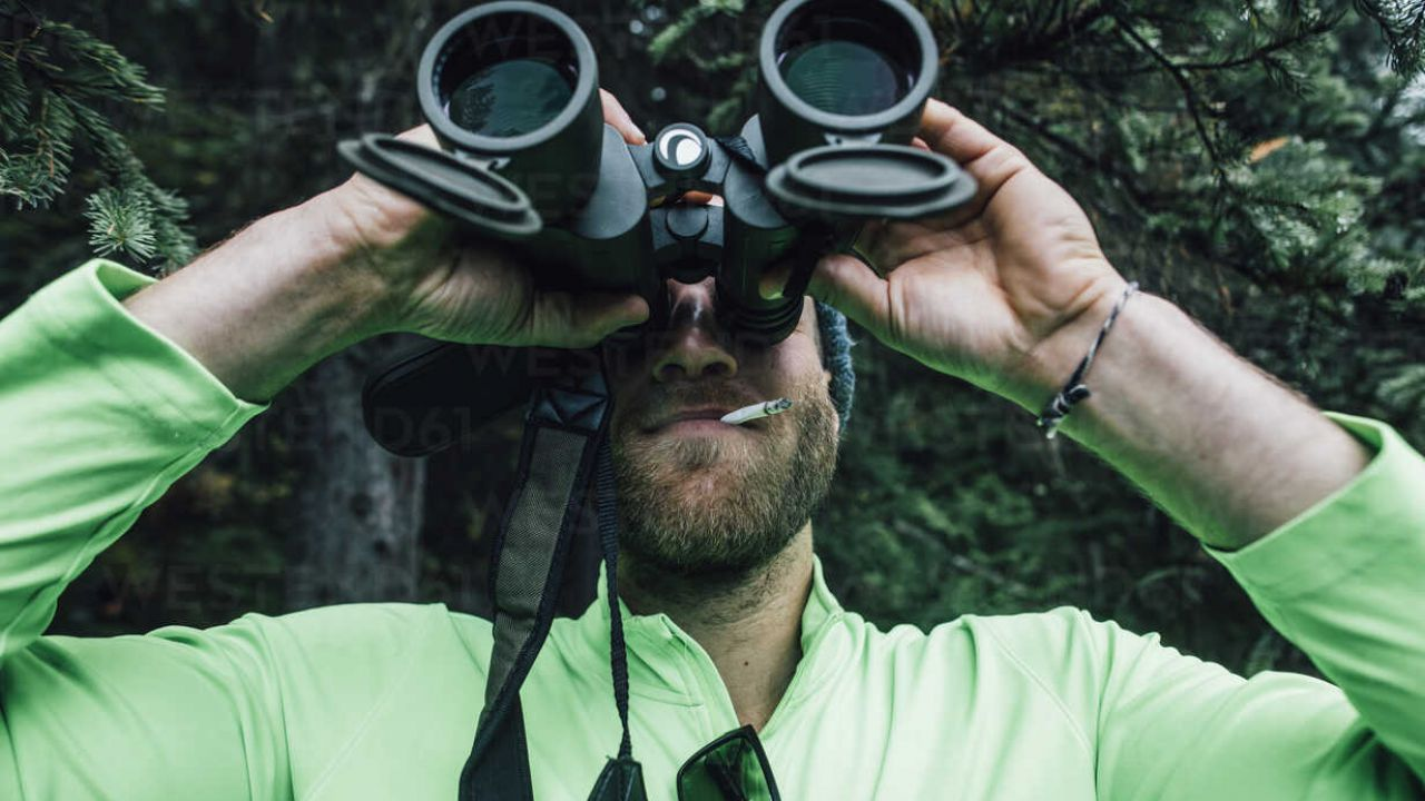 Da dove deriva l'espressione inglese 'Peeping Tom'?
