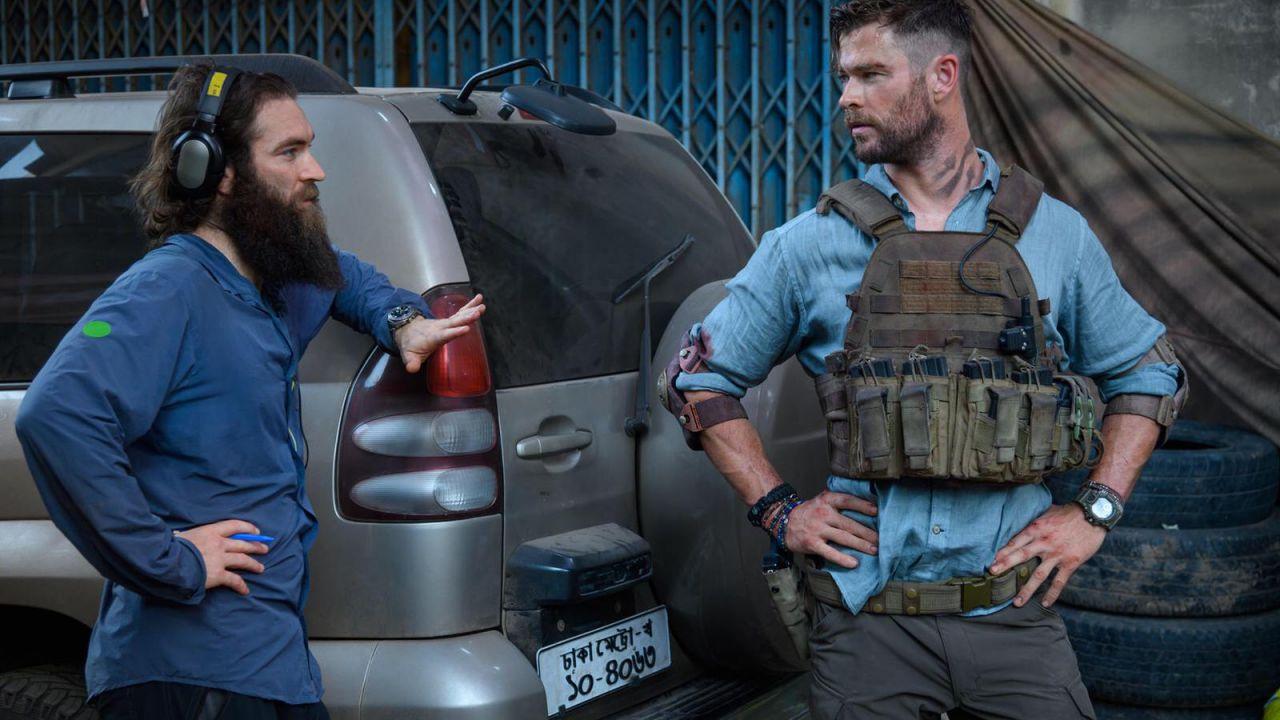 Dal MCU a Netflix: il regista di Tyler Rake racconta il passato da stuntman di Chris Evans