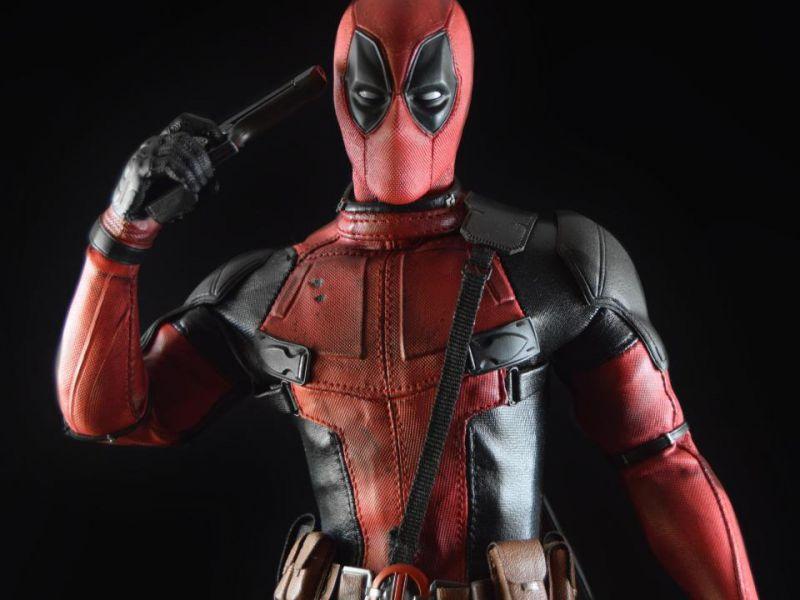 Deadpool uccide Topolino nella nuova foto postata da Rob Liefeld