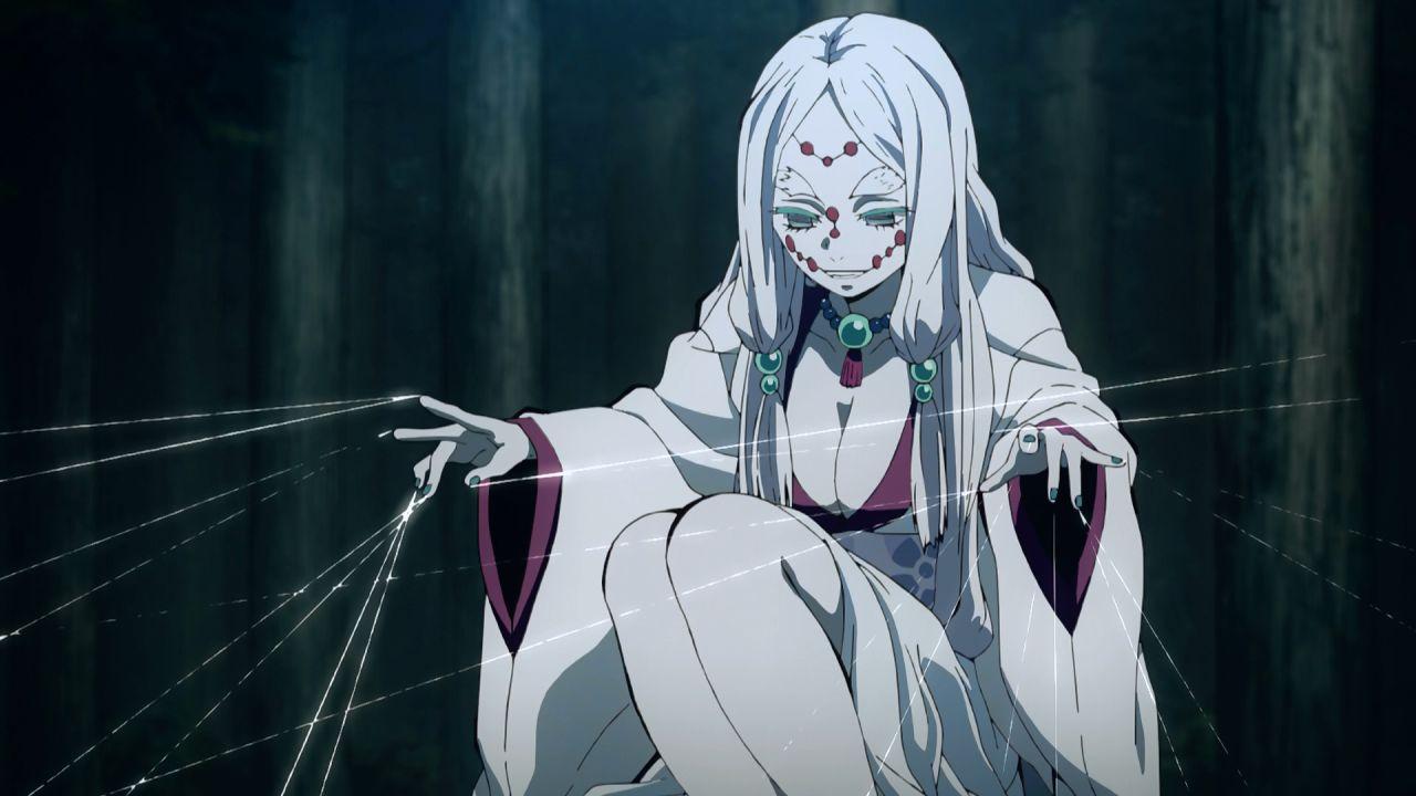 Demon Slayer: la madre di Rui si mette in posa nel sensuale cosplay di una modella cinese