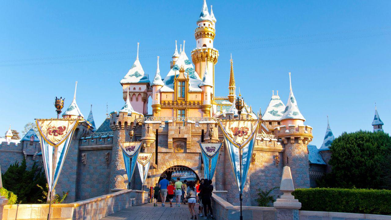 Disneyland e Universal Studios vogliono riaprire: l'ultimatum al governatore