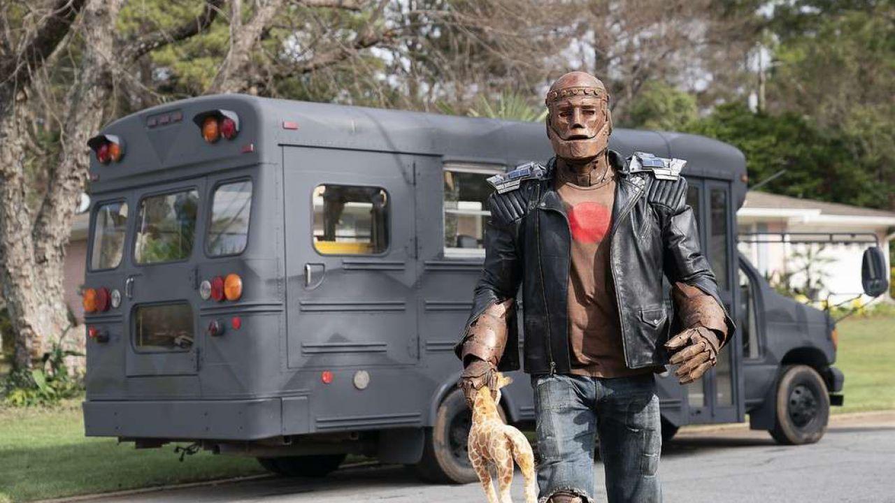 Doom Patrol, Brendan Fraser elogia il suo stunt per il lavoro su Robotman