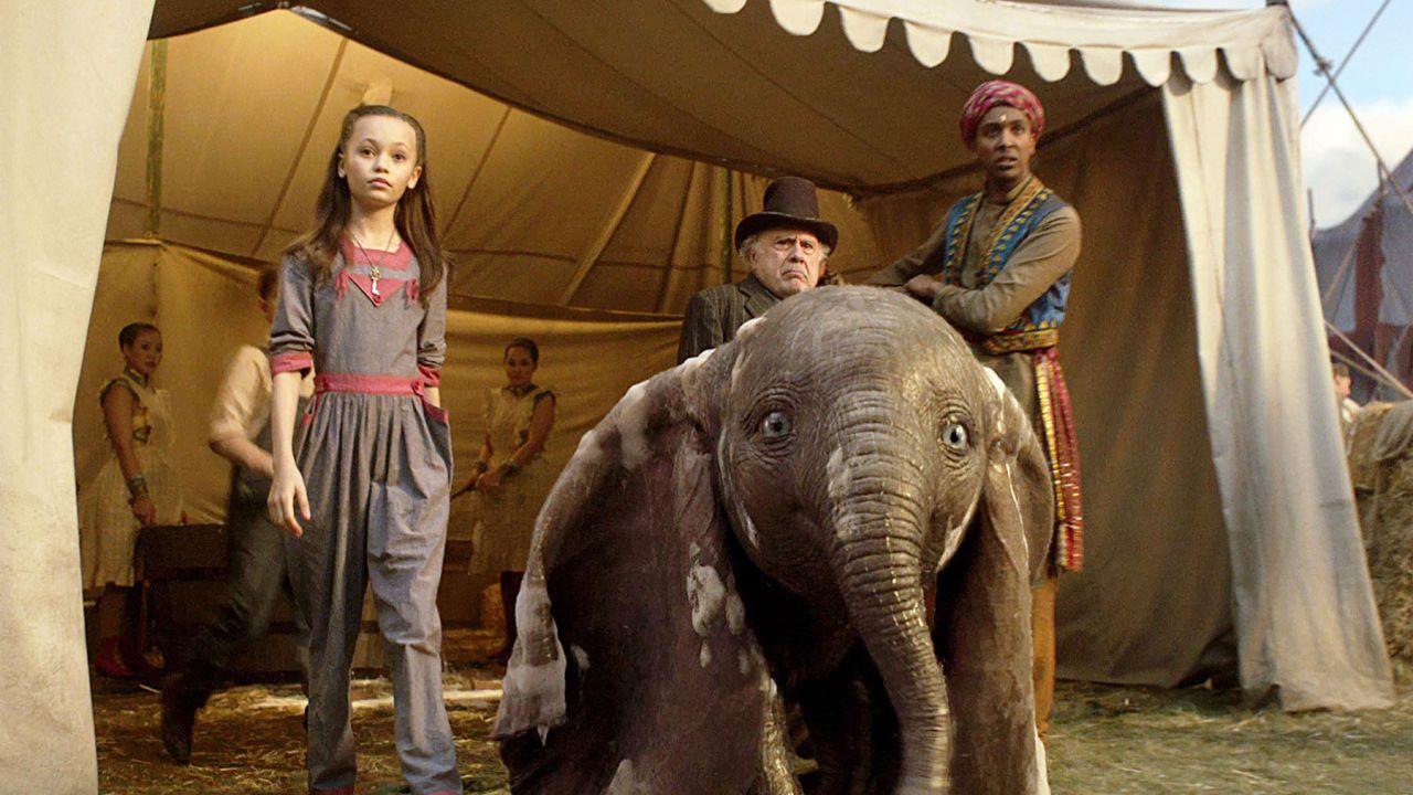Dumbo: si prevede un esordio da 140 milioni per il remake in live-action di Tim Burton