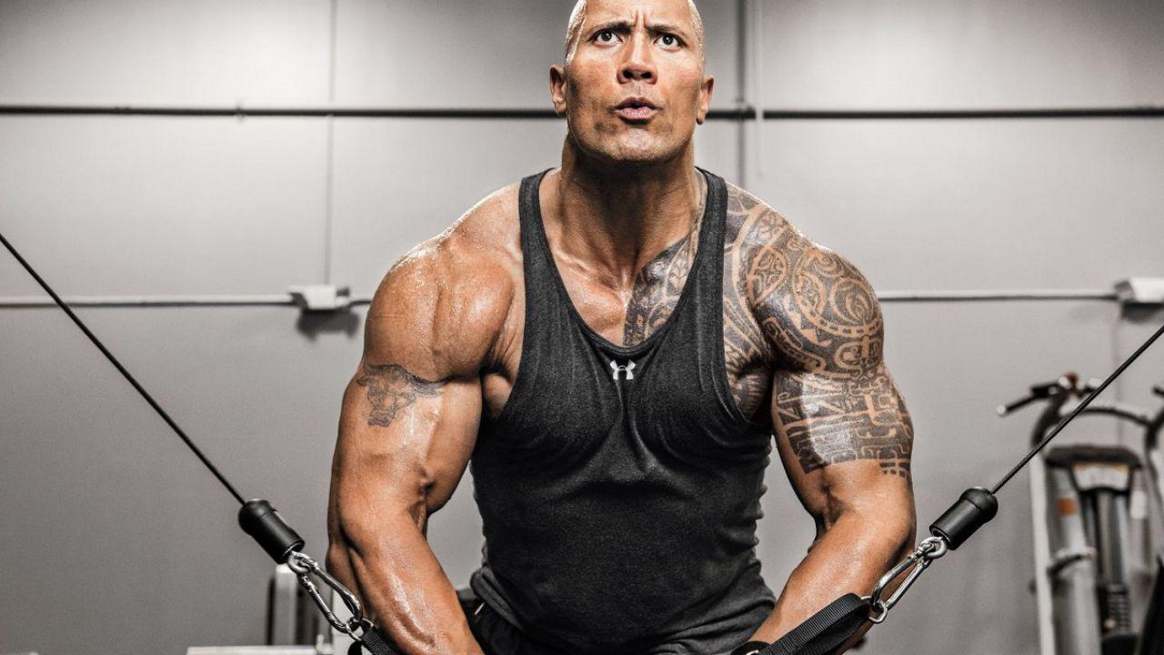 Dwayne The Rock Johnson è un animale nel video di allenamento per Black Adam