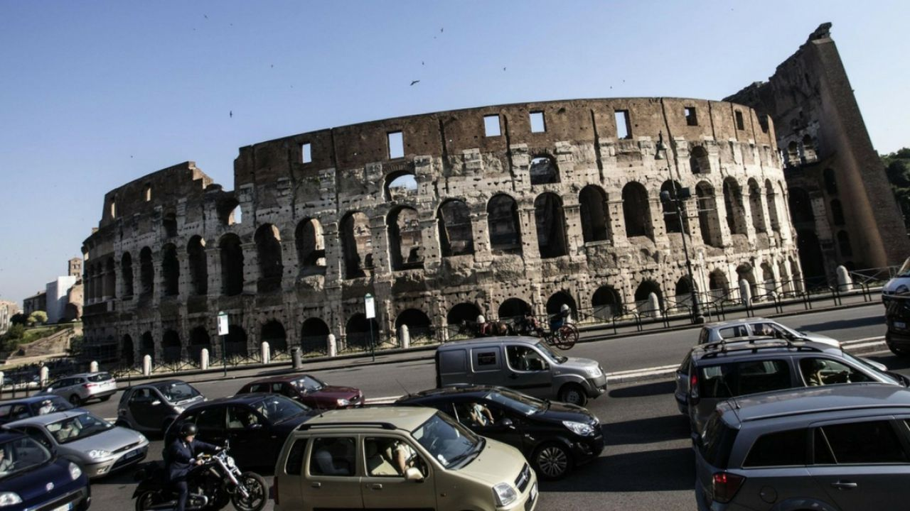 È Roma la città più trafficata d'Italia: la Top 10 secondo il TomTom Traffic Index