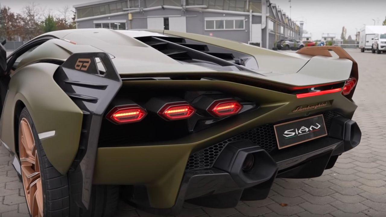 È ufficiale: l'erede della Lamborghini Aventador monterà un V12 aspirato