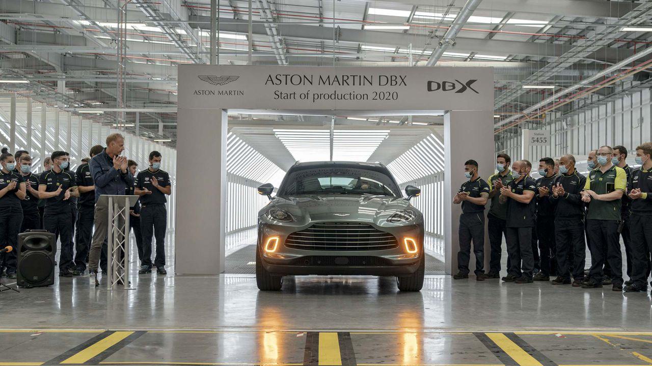 Ecco la prima Aston Martin DBX di serie: la casa inglese debutta nel mondo dei SUV