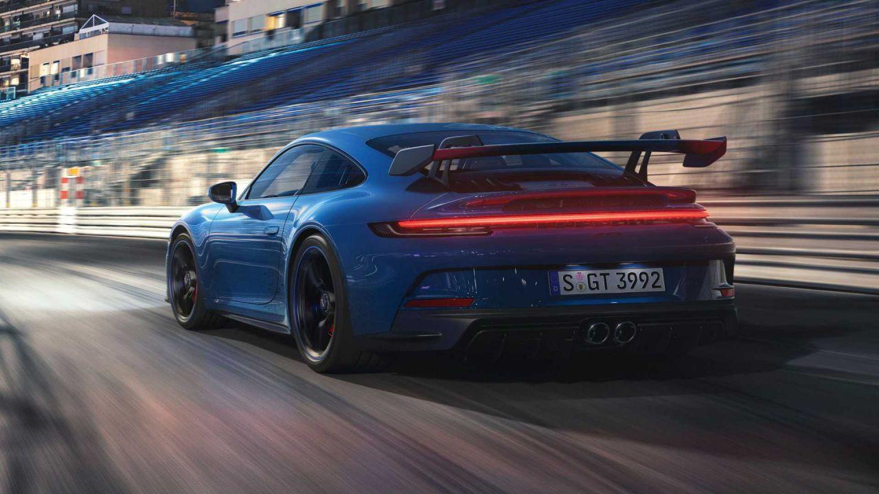 Ecco la nuova Porsche 911 GT3: alettone enorme e 508 CV