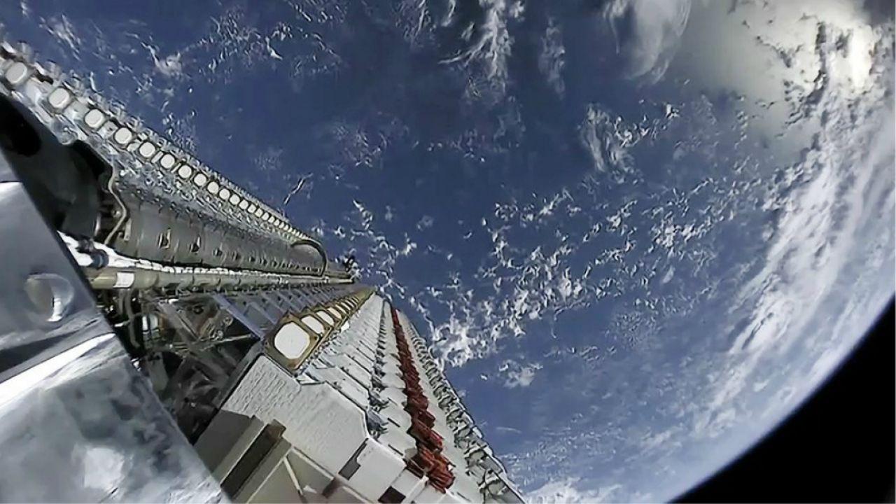 Ecco quanti satelliti Starlink di SpaceX sono 'morti' dal lancio della costellazione