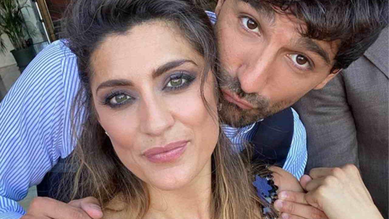 Elisa Isoardi mano nella mano con Raimondo Todaro: il flirt è confermato