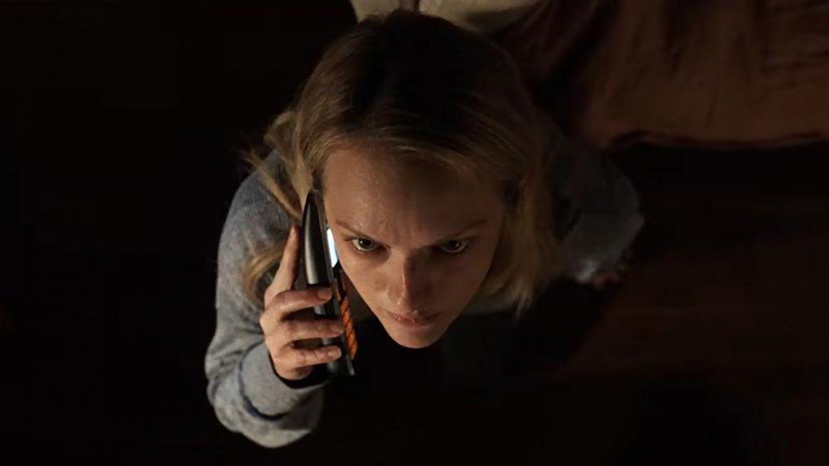 Elisabeth Moss vittima di stalking nella nuova clip de L'Uomo Invisibile