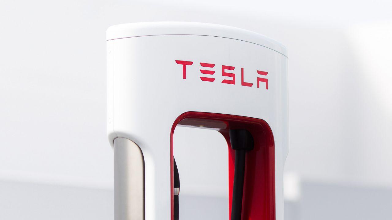 Elon Musk accelera sulla costruzione dei Tesla Supercharger V3 da 250 kW