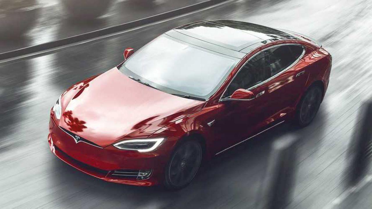 Elon Musk annuncia: la Tesla Model S raggiungerà i 650 km di autonomia