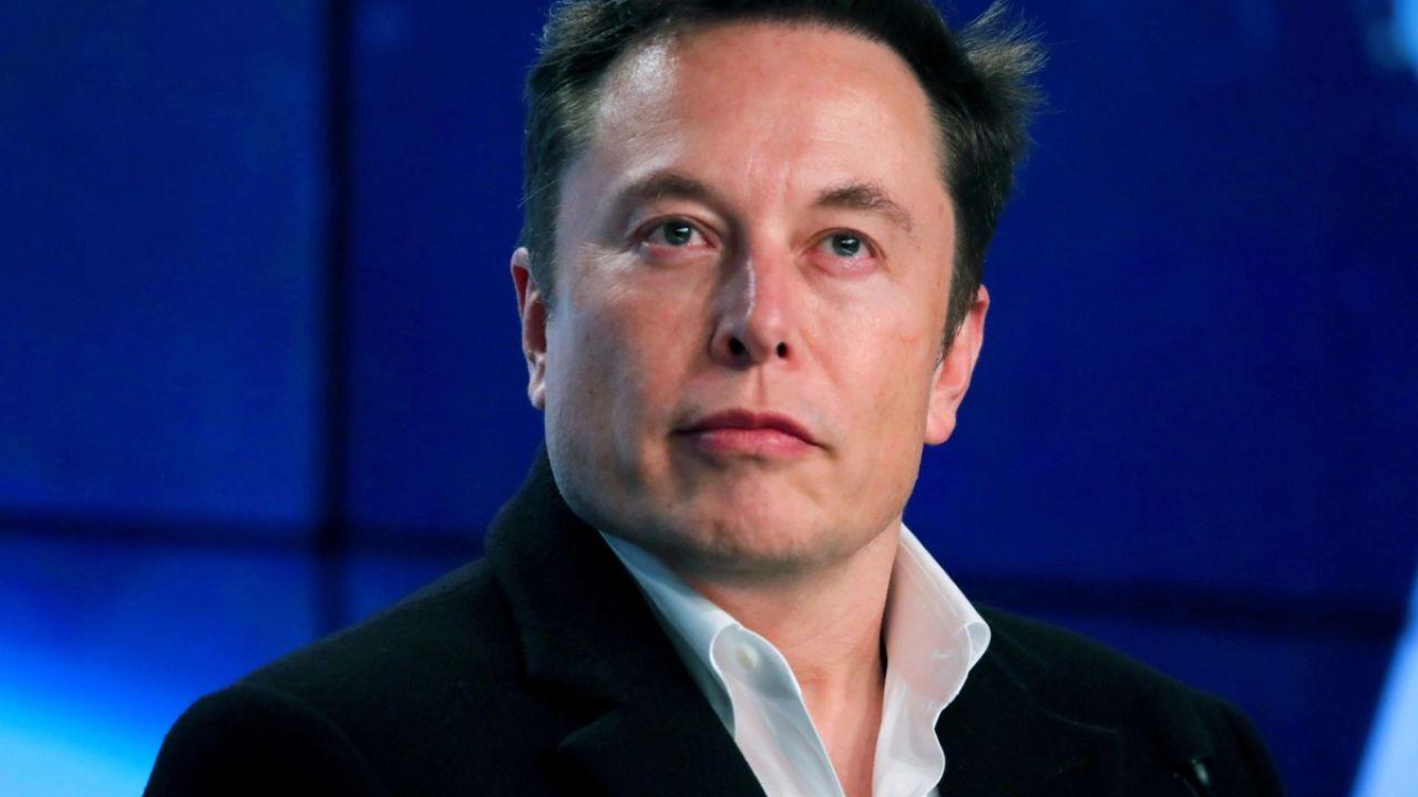 Elon Musk cerca un social media manager per proteggersi dagli attacchi degli haters
