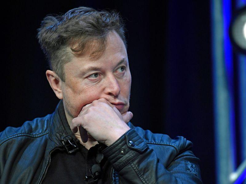 Elon Musk mette in vendita 2 case di Bel Air da 40 milioni: 'venderò tutti i beni fisici'