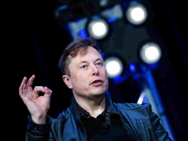 Elon Musk si prende una pausa da Twitter: 'lo spengo per un pò'