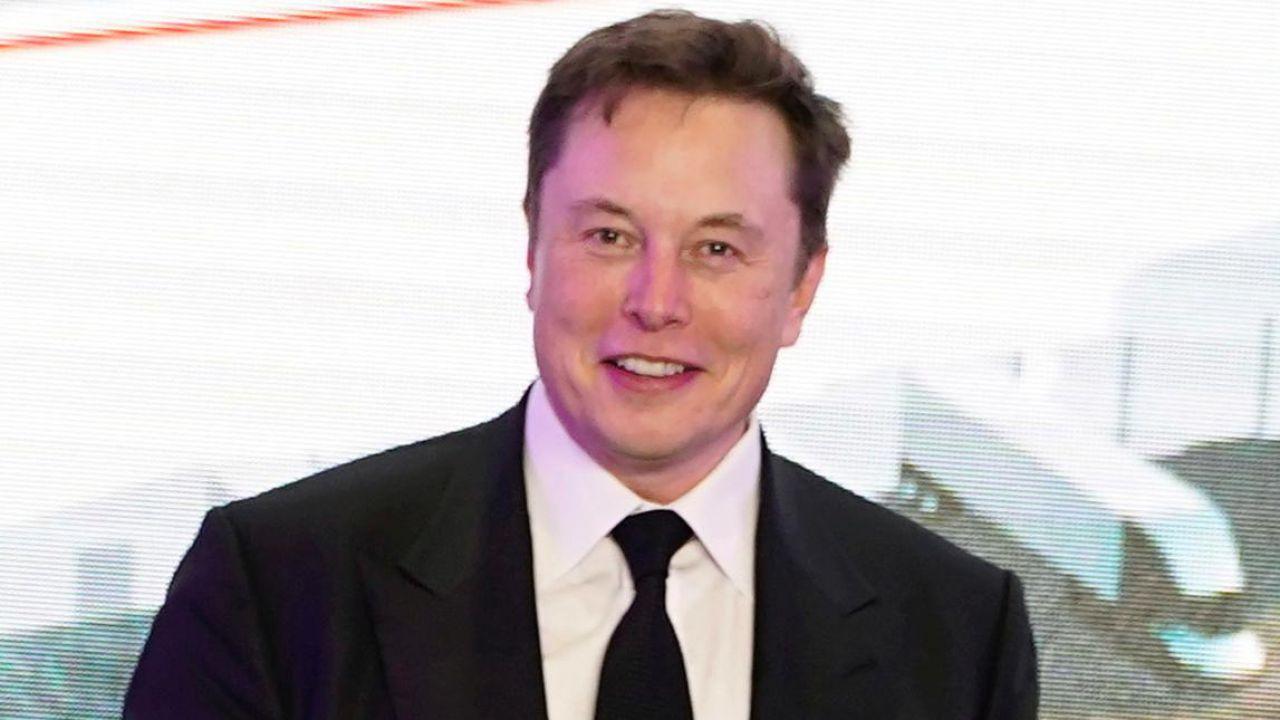 Elon Musk è volato nel Regno Unito: Gigafactory in vista?
