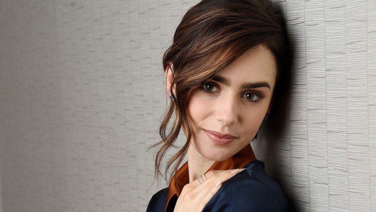 Emily in Paris: Lily Collins protagonista della nuova serie di Paramount Network
