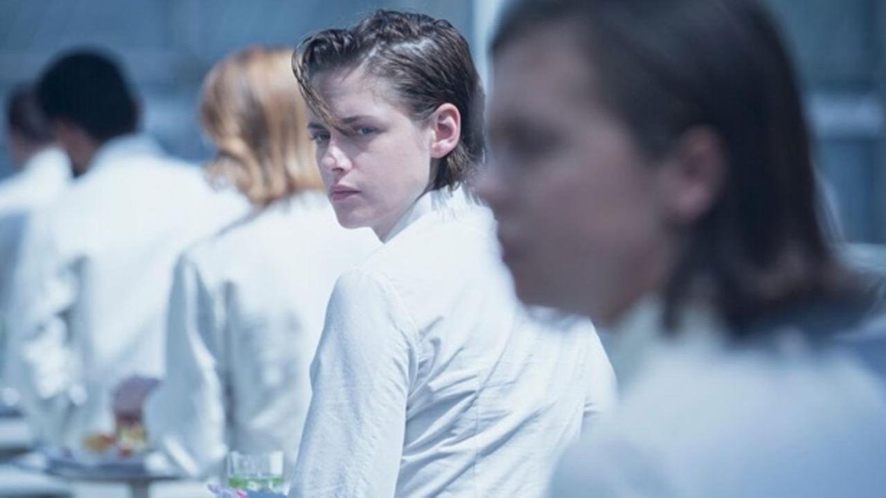 Equals: Kristen Stewart e Nicholas Hoult nel nuovo trailer italiano