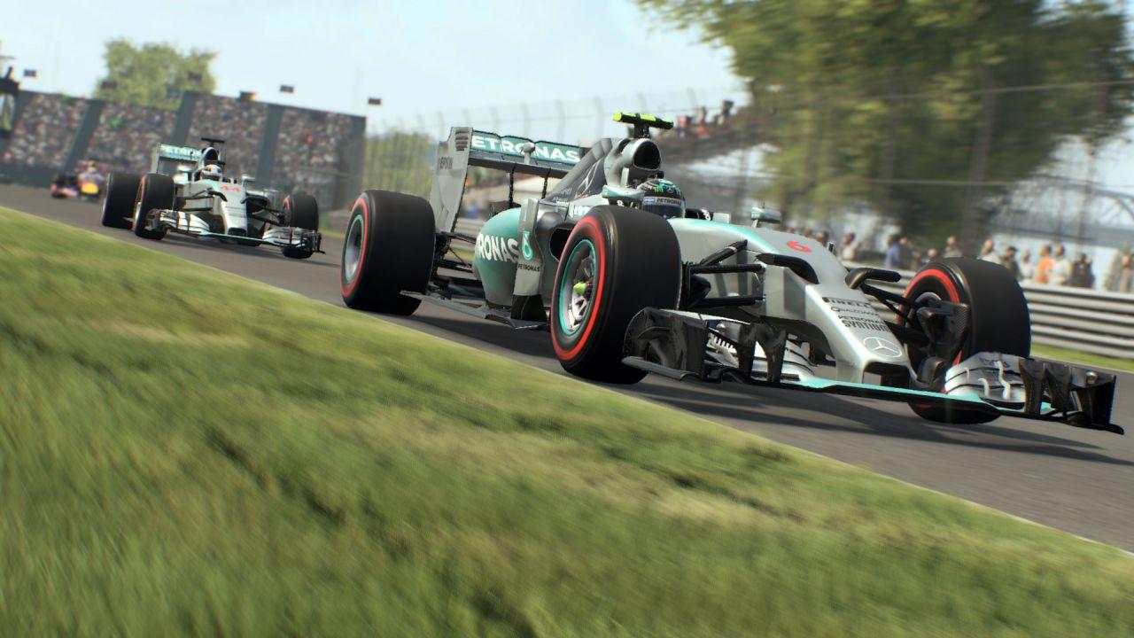 F1 2015 debutta al primo posto della classifica inglese