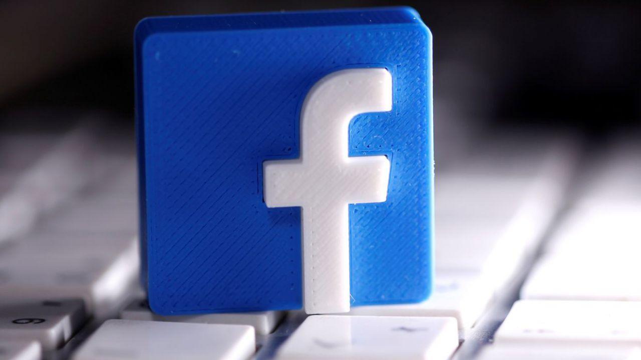 Facebook bannerà i negazionisti dell'Olocausto per 'incitamento all'odio'