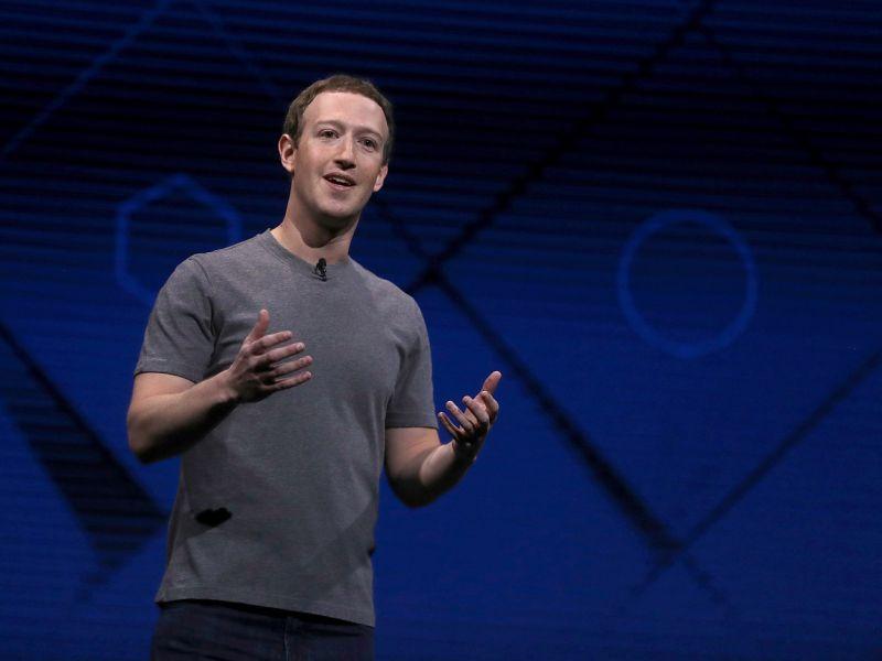Facebook sposa lo smart working: i dipendenti potranno lavorare da casa per sempre