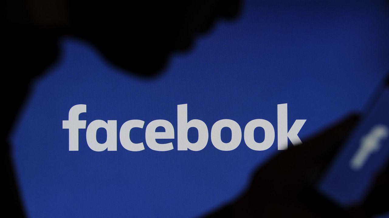 Facebook unirà le chat di WhatsApp, Instagram e Messenger in un'app per commercianti