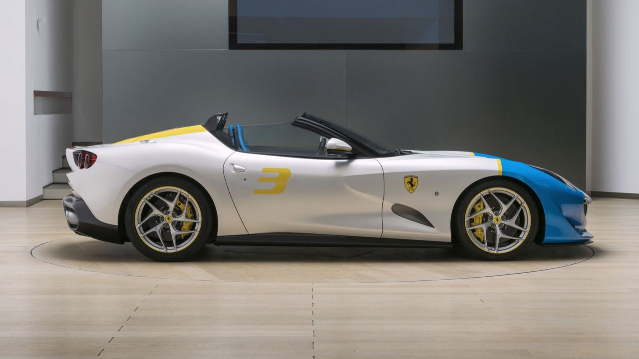 Ferrari SP3JC, la roadster one-off V12 da 780 CV ispirata alla Pop Art