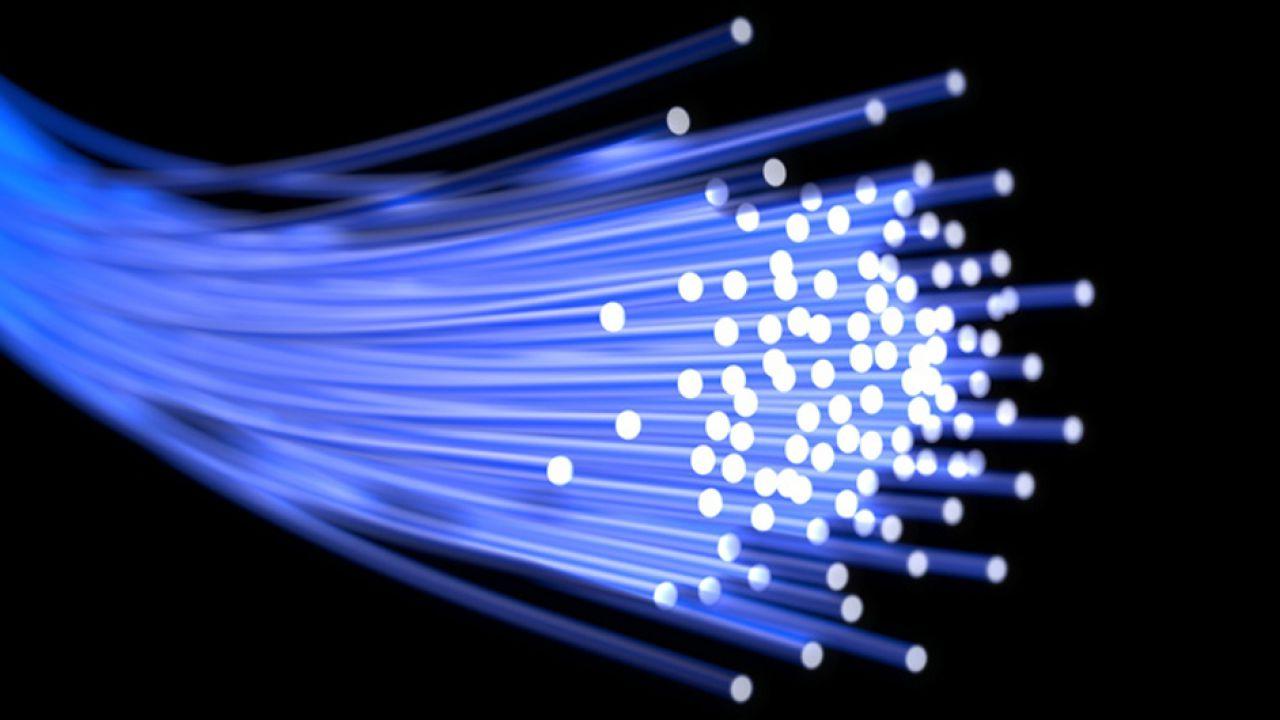 Fibra Ottica, il Governo spinge per la rete unica TIM - Open Fiber: ecco il piano