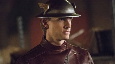 Flash 2: tutte le foto da 'Flash of Two Worlds', Kett Turton è nel cast