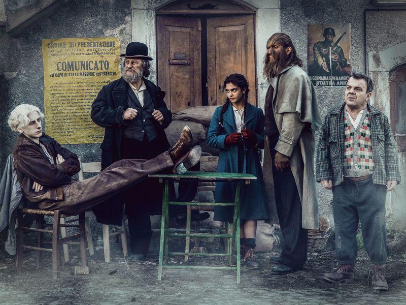 Freaks Out, il nuovo poster: il film di Gabriele Mainetti arriverà nel 2021