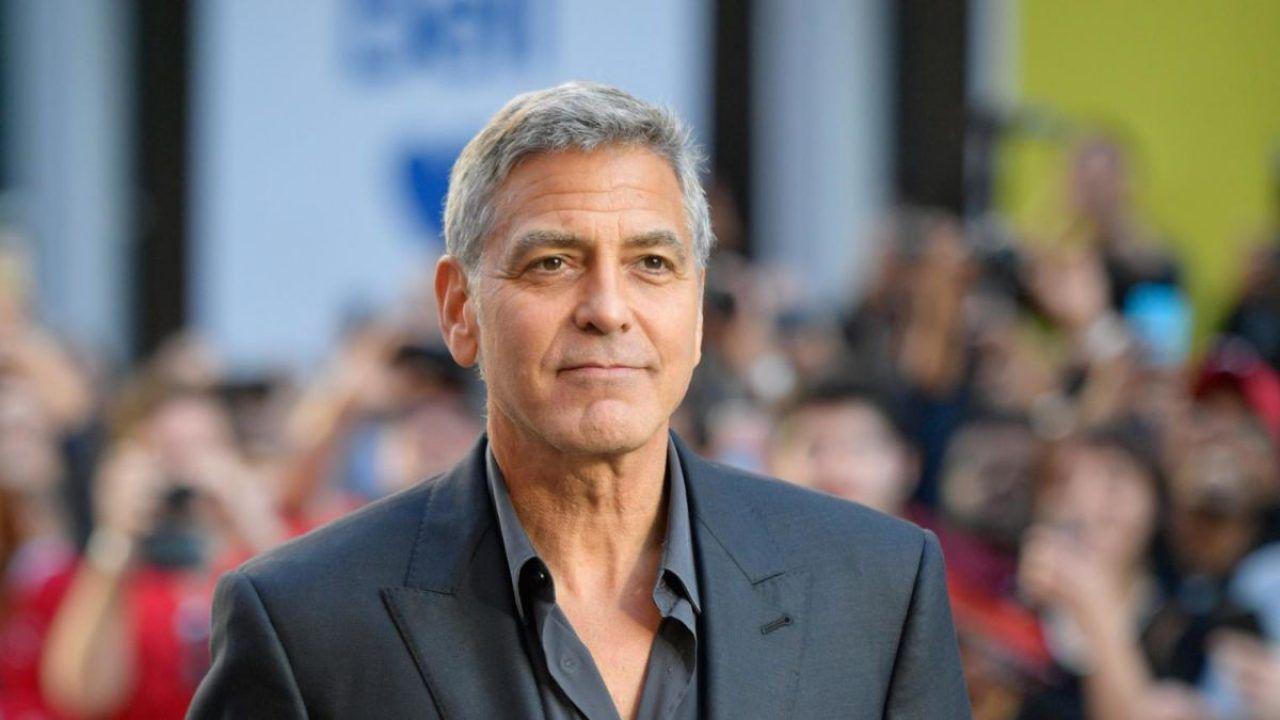 George Clooney, la star confessa:'Per tagliarmi i capelli impiego solo 2 minuti!'