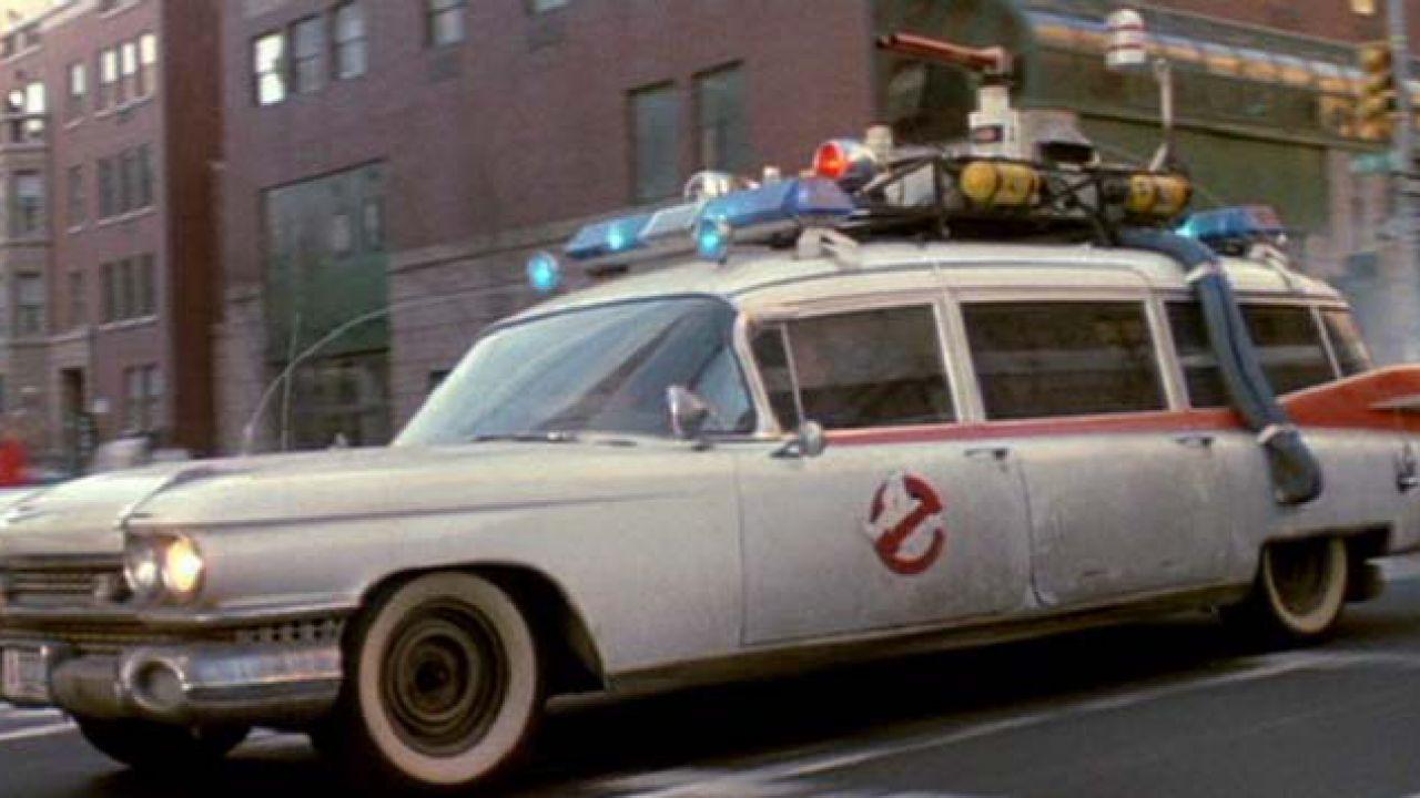 Ghostbusters 3: ecco l'iconica Ecto-1 nelle nuove foto dal set!