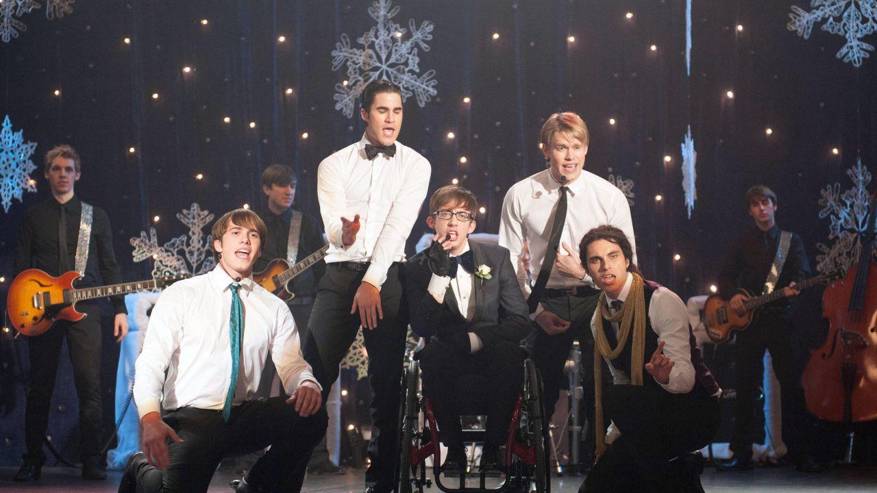 Glee 4: trama, promo, sneak peek, audio preview e screenshot dal ventesimo episodio Lights Out