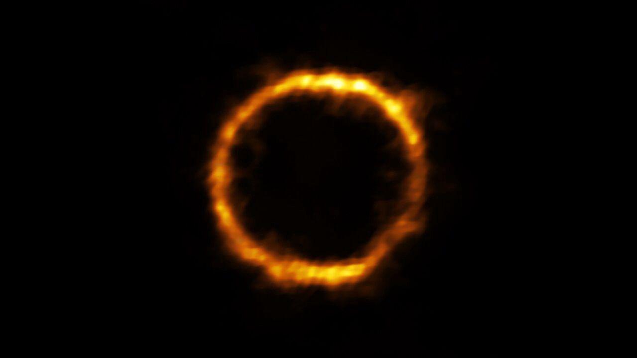 Gli astronomi continuano a trovare anelli circolari nel cielo e non sanno come spiegarli