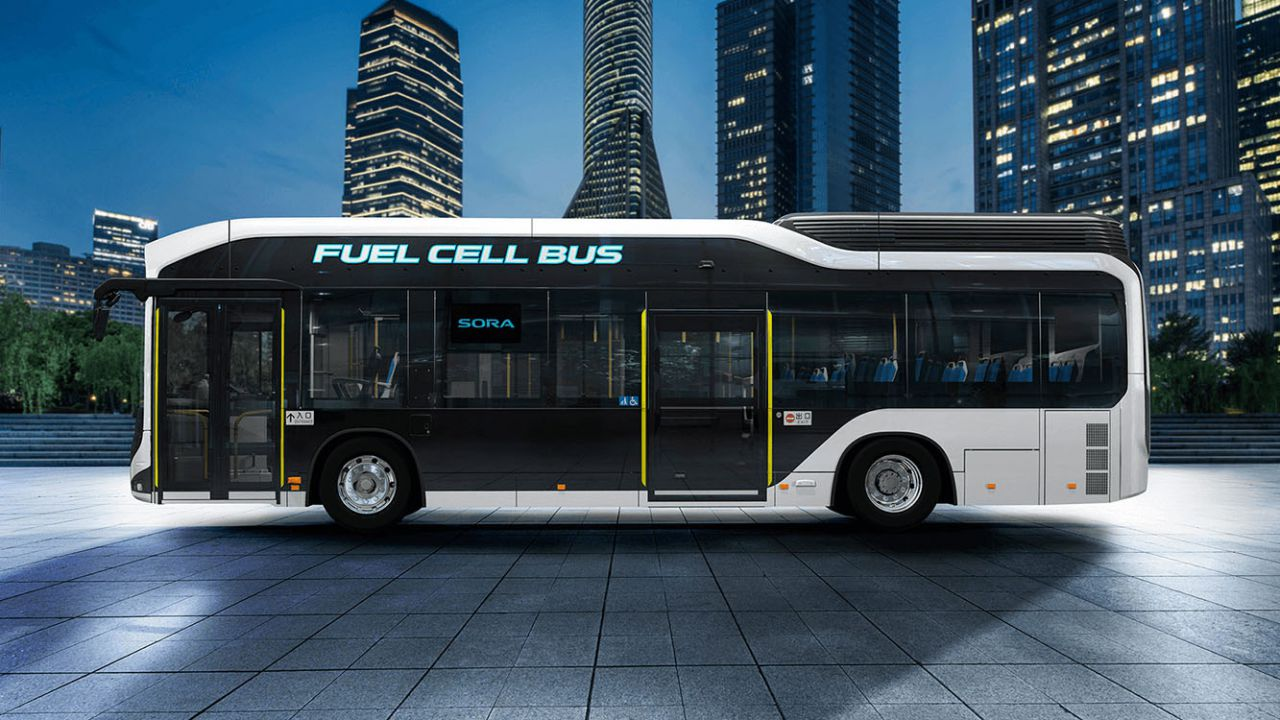 Gli autobus a idrogeno di Toyota arrivano per la prima volta in Europa