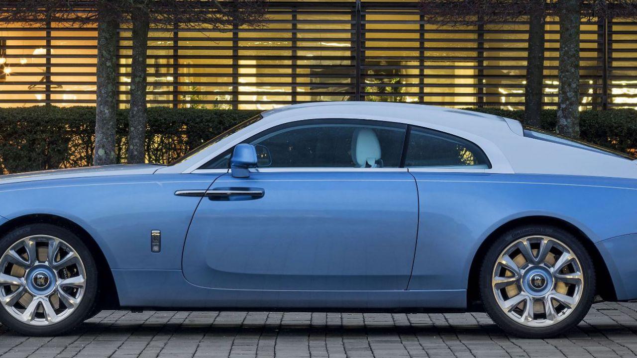 Gli interni di questa Rolls-Royce Wraith 'Falcon' sono un'opera d'Arte