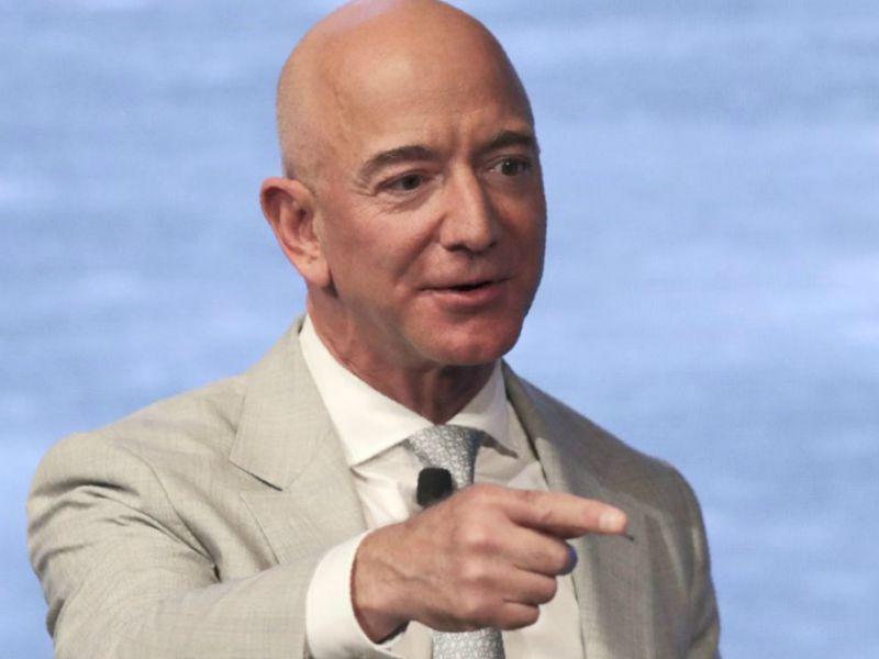 Gli utili di Amazon fanno crescere il patrimonio di Jeff Bezos: +7,6 miliardi in poche ore