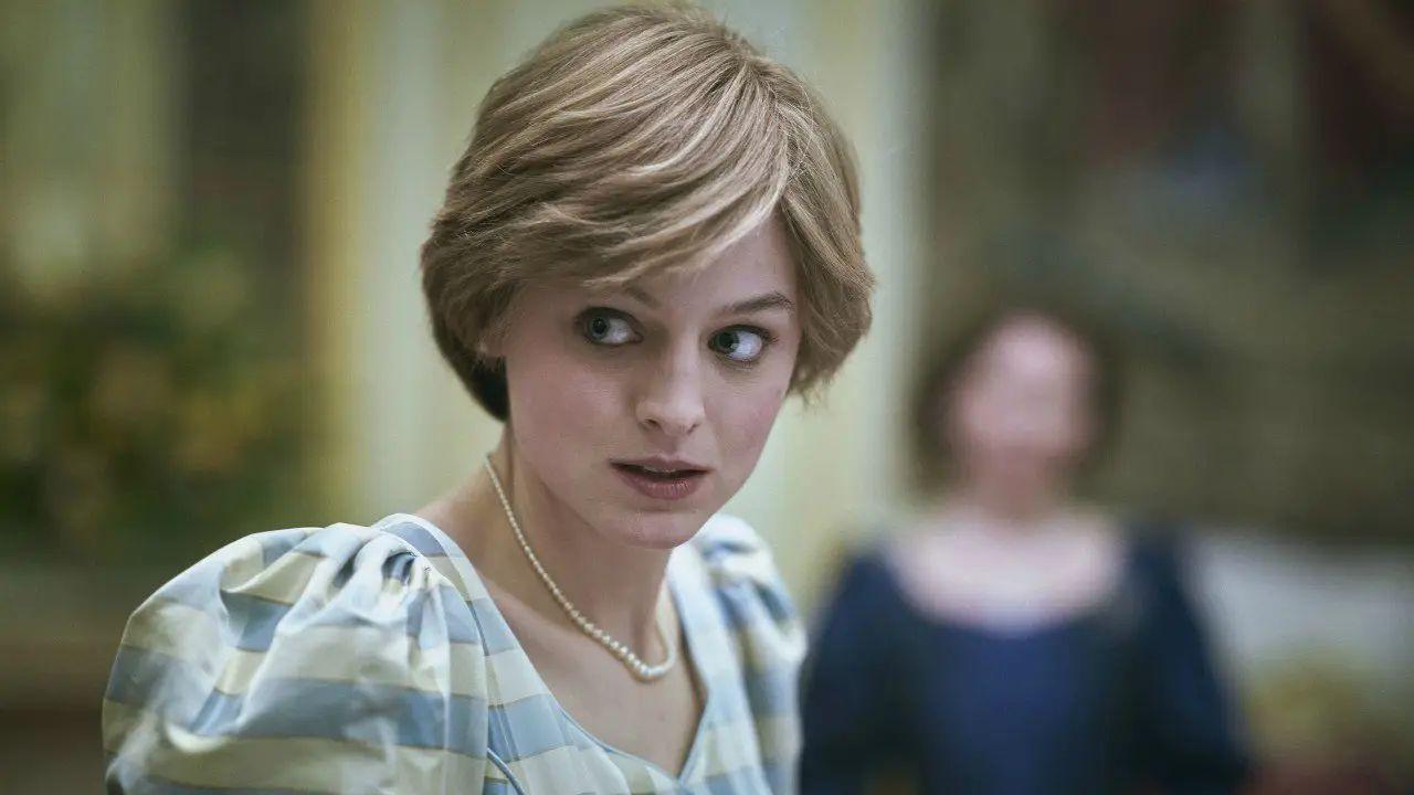 Golden Globes 2021, Emma Corrin dopo la vittoria: 'Ringrazio Diana più di chiunque altro'