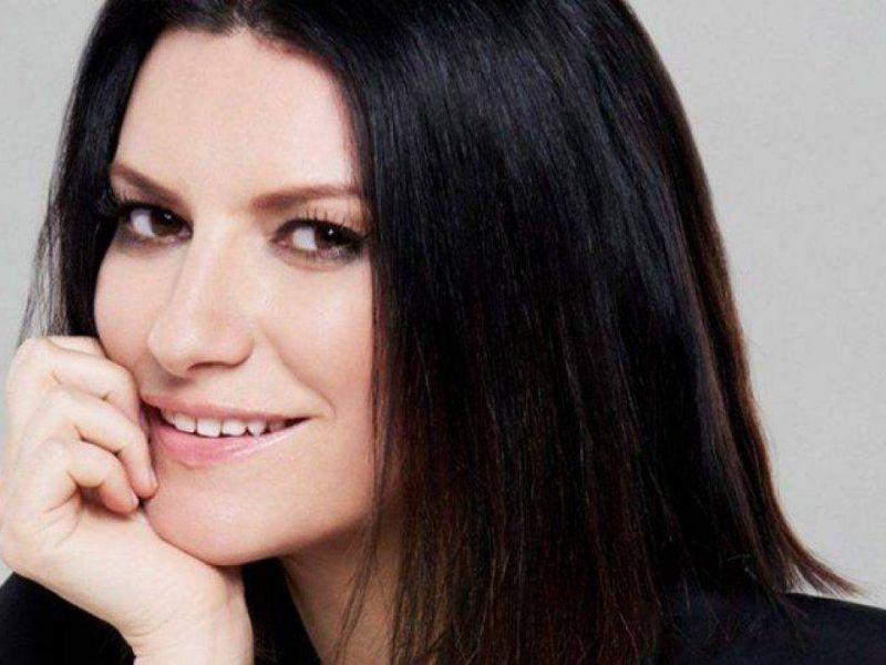 Golden Globes 2021, l'emozione di Laura Pausini per la vittoria:'Ho la pelle d'oca!'