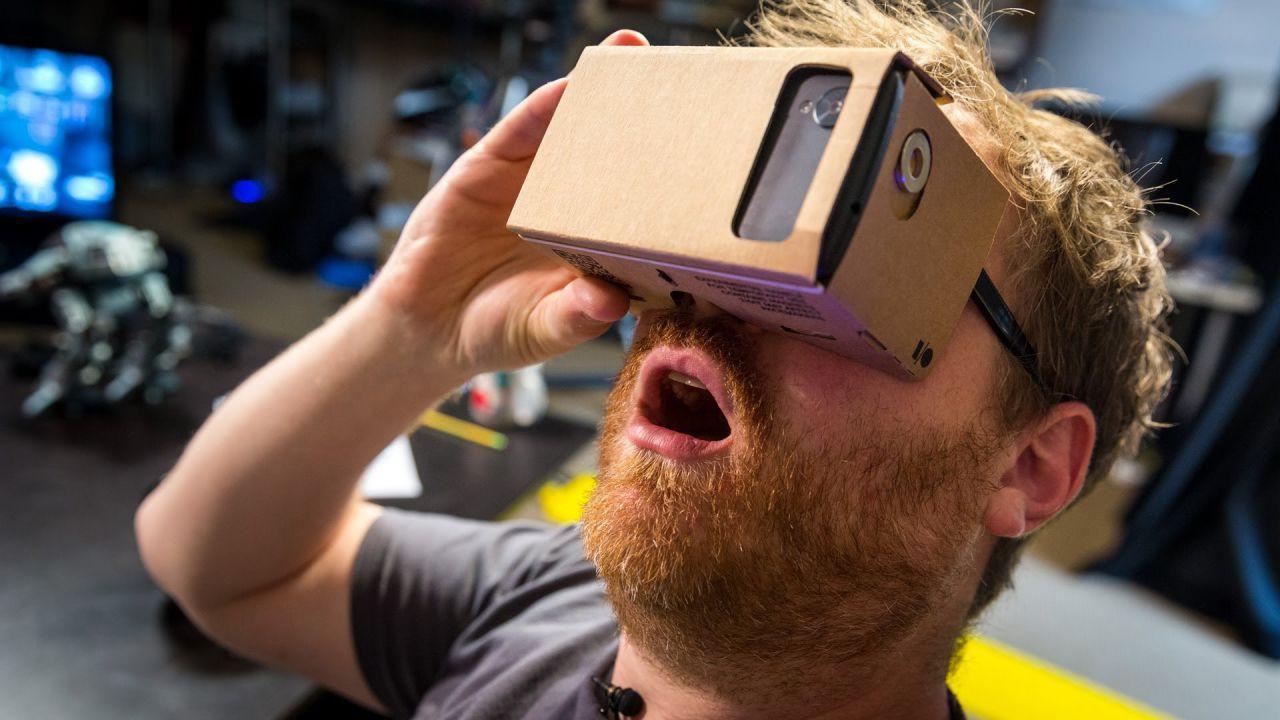 Xiaomi Mi VR, visore per realta virtuale con controller di movimento