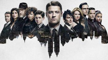 Gotham: Bruno Heller critica le serie sui supereroi