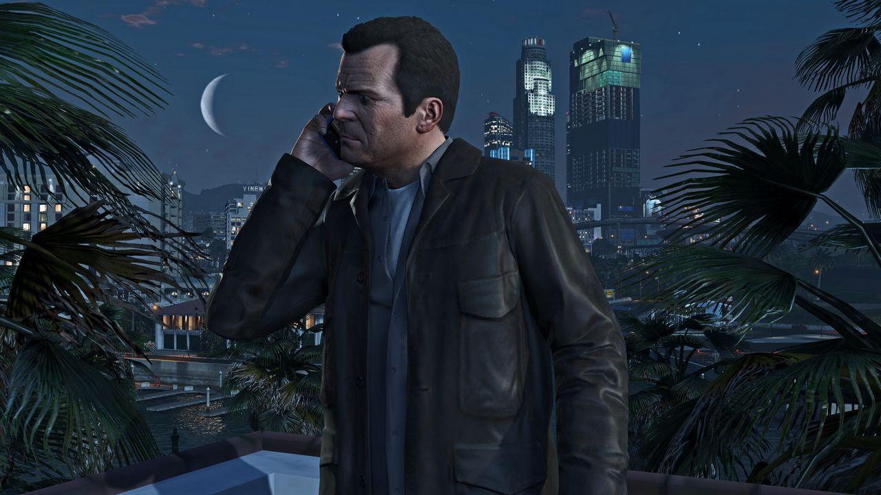 Grand Theft Auto 5: Rockstar Games personalizza una PS4 e una Xbox One